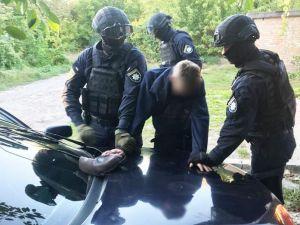 """Кропивницький: Поліція """"накрила"""" банду наркоділків"""