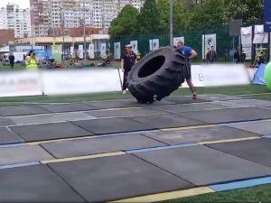 Поліцейський з Кропивницького взяв участь у змаганнях зі стронгмену (ВІДЕО)