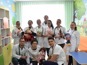 Майбутні медики навчаються клінічним дисциплінам на базі обласної дитячої лікарні (ФОТО)
