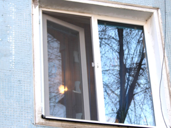 Кировоградщина: В Александрии мужчина толкнул соседа из окна многоэтажки