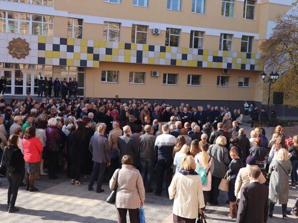 Пів тисячі кропивничан прийшли попрощатися з Володимиром Панченком (ФОТО, ВІДЕО)