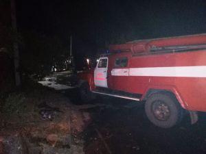Кіровоградщина: У райцентрі зайнялися відразу дві автівки