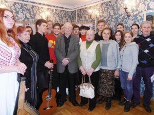 Кропивницька інтелігенція зустрілася з журналістом і письменником Броніславом Куманським