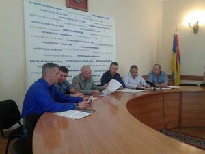 """Як у міськраді Кропивницького намагаються протягнути """"земельні"""" питання"""