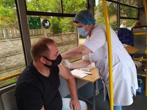 Мешканців Олексіївка та Арнаутово запрошують отримати другу дозу вакцини