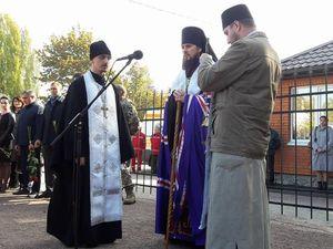 Кілька сотень людей прийшли попрощатися з загиблим воїном Андрієм Беспаловим