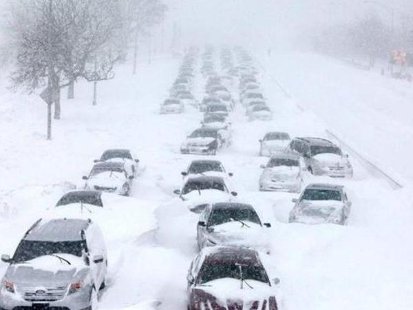Активний циклон несе в Україну хуртовину, ожеледь і налипання мокрого снігу