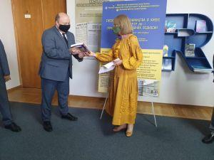 У будівлі Кабінету Міністрів відкрили виставку з історії української дипломатії