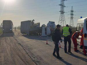 Кіровоградська область: Біля Шостаківки не розминулись бензовоз і ГАЗель