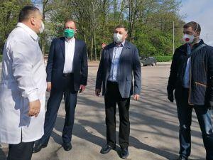 Як «Епіцентр» передавав засоби індивідуального захисту для медзакладів Кропивницького (ФОТО)