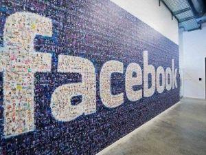Володимир Зеленський пропонує відкрити офіс Facebook в Україні