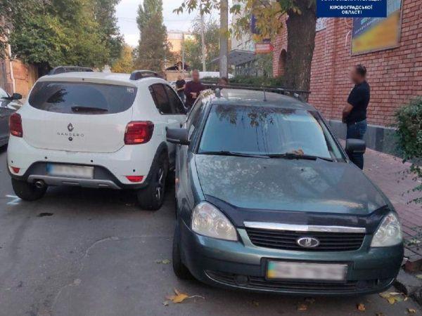 У Кропивницькому водійка врізалася у електроопору
