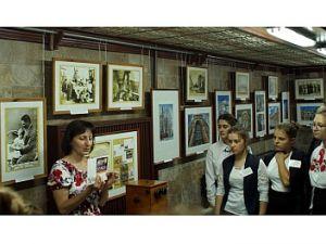 Музей Осмьоркіна у Кропивницькому розгорнув виставку до Дня міста