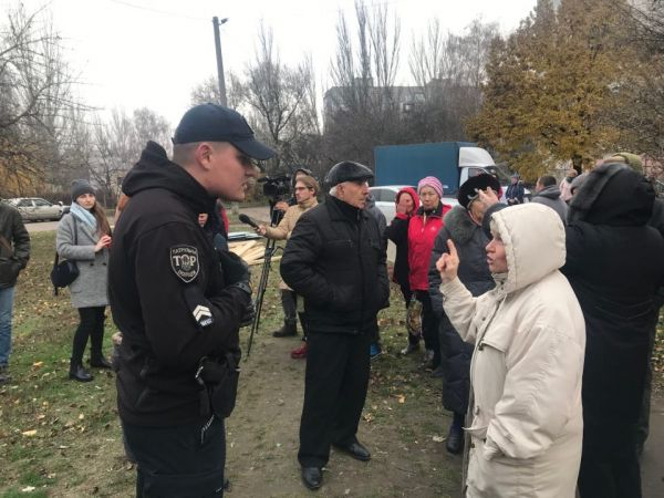 Бізнес проти народу: У Кропивницькому люди вийшли проти будівництва чергового МАФу (ФОТО, ВІДЕО)