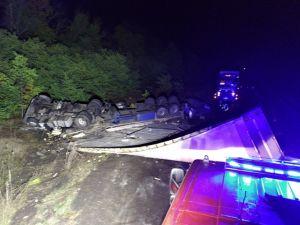 Кіровоградщина: На трасі зіштовхнулися дві вантажівки