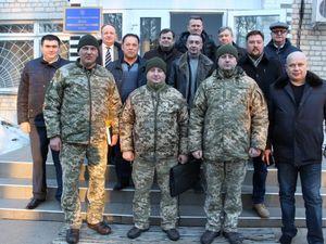 Банкіри привітали українських військових з днем народження частини