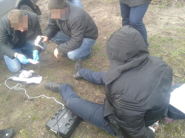 У Кропивницькому СБУ викрила на хабарі поліцейського (ФОТО)