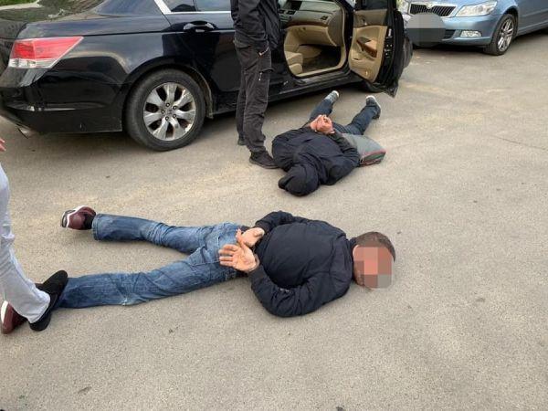 У Києві затримали банду грабіжників, які викрали термінал з супермаркету