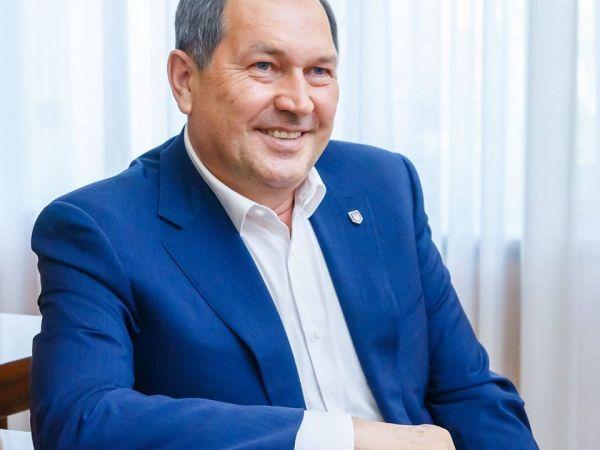 Андрій Райкович вітає випускників із закінченням школи (ВІДЕО)