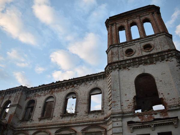 Кропивницькі туристи відкрили для себе палац Вінберга на Олександрійщині (ФОТО)