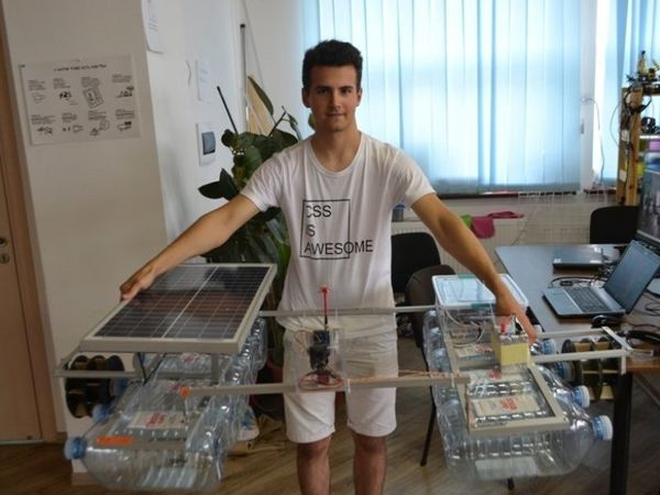 Кропивничанин создал робота, который умеет чистить реки и озера