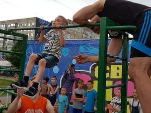 У Кропивницькому відкрили перший міський мурал під час «Свята спортивних розваг» (ФОТОРЕПОРТАЖ)