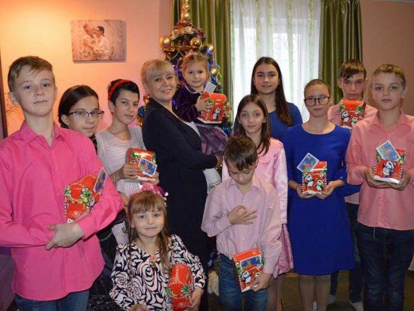 Кропивницький: До дня святого Миколая депутати привітали малечу з будинків сімейного типу