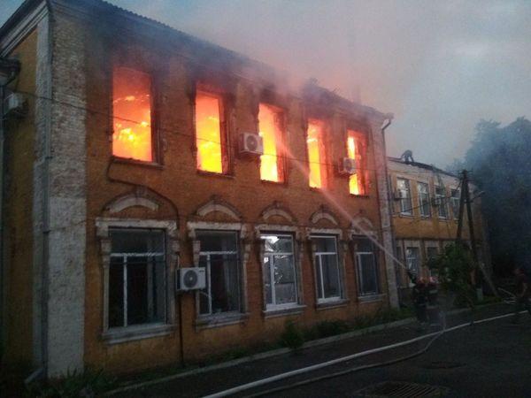 У Благовіщенській районній адміністрації підраховують збитки від пожежі (ВІДЕО)