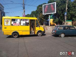 На центральному перехресті у Кропивницькому сталася ДТП