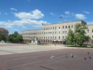 У центрі Кропивницького відкривається «Музей виборчого трешу»