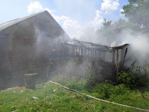 На Кіровоградщині загоряються сіно і господарські споруди