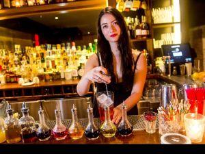 На Кіровоградщині потрібні бармени та офіціанти