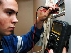 Усі бажаючі безробітні можуть безкоштовно вивчитися на електромонтера