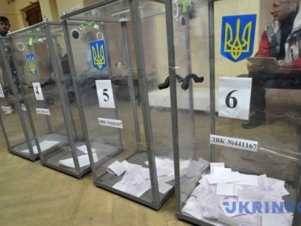 Кіровоградщина: Кандидат заявляє про підвіз виборців (ВІДЕО)
