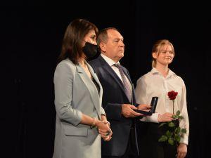 Четверо кропивницьких медиків з нагоди професійного свята отримали відзнаки «За заслуги»