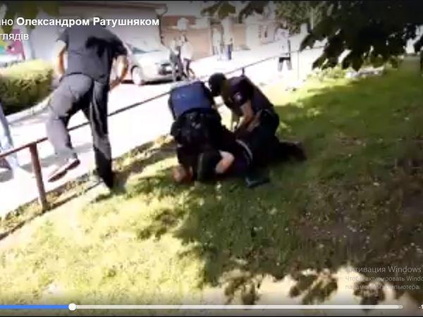 Хто правий? Поліцейський повідомив про причини затримання чоловіка на Попова (ВІДЕО)