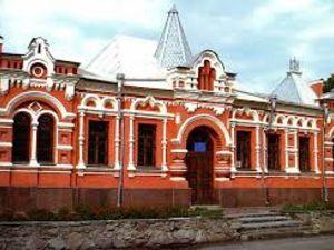 Музей Осьмьоркіна запрошує на виставку «Барвистий калейдоскоп»