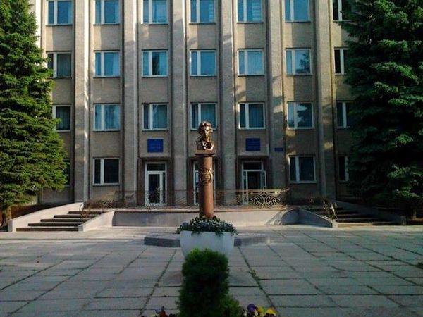 Випускників Кіровоградського музучилища просять долучитися до нового проекту