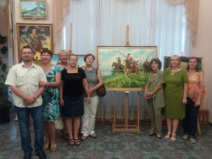 """Кропивницькі """"яворинки"""" завітали у худмузей на виставку """"Україно, ти козацькою славою щедра"""" (ФОТО)"""