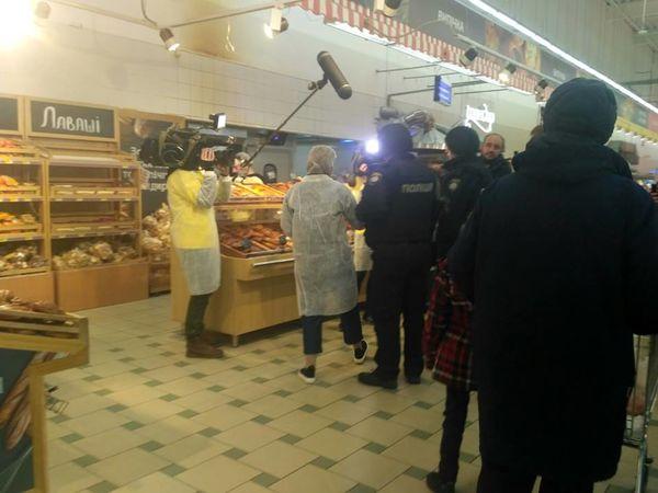 """Кропивницькі заклади інспектує """"Ревізор магазини"""" (ФОТО)"""