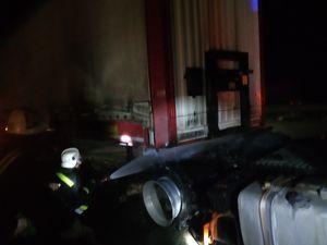 Кіровоградська область: На трасі серед ночі загорілася вантажівка МАN