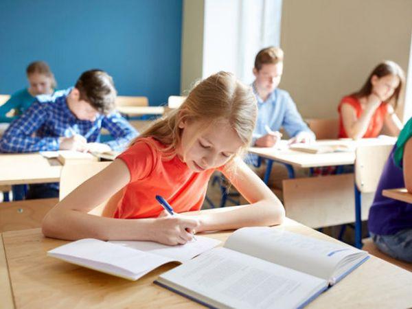 У новому навчальному році українські школярі відпочиватимуть за новим графіком