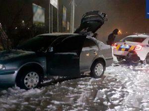 На Балашовці через негоду авто злетіло з проїжджої частини