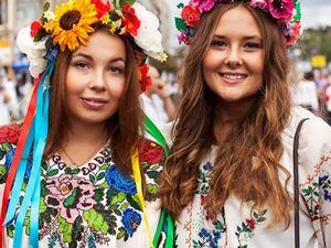 Кропивничани святкують День вишиванки