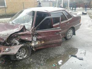 Сьогодні вранці на Яновського сталася ДТП, внаслідок якої у автівки відірвалось колесо (ФОТО)