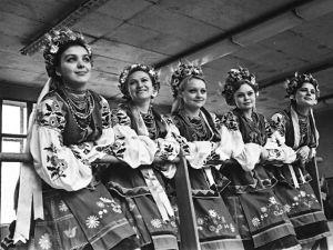 На чорно-білих світлинах ожила історія танцю Кіровоградщини (ФОТО)