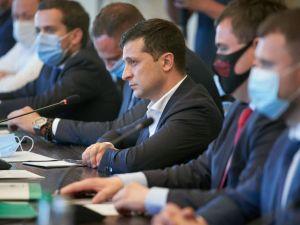 Зеленський поставив крапку в кар'єрі голови ОДА Балоня, підозрюваного у системному хабарництві