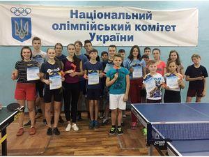 У Кропивницькому в день Святого Миколая змагалися юні тенісисти