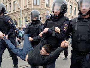 Заява речника ЄС щодо реакції на протести у Російській Федерації