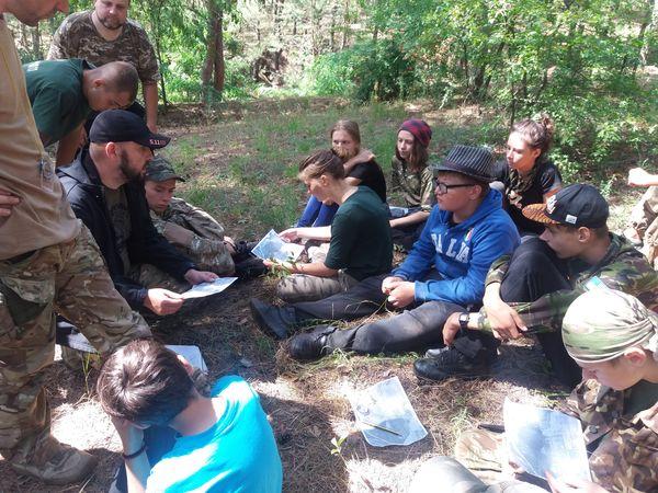Юні кропивничани пройшли військовий вишкіл у патріотичному таборі